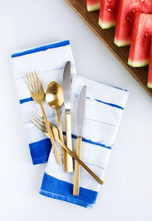 striped inkodye napkins (via homeyohmy)