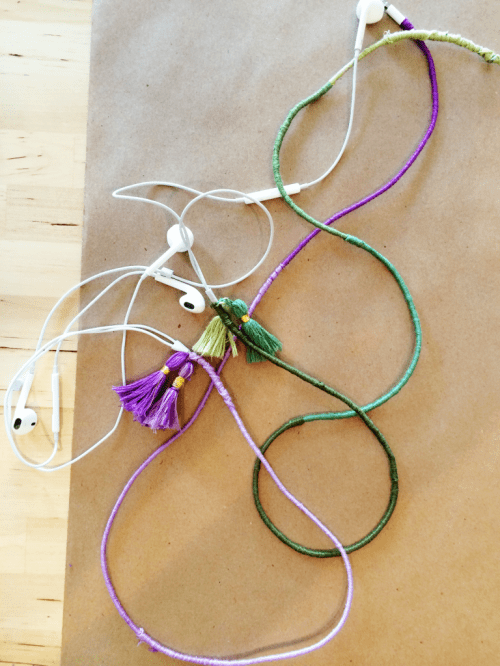 ombre wrapped headphones (via makescoutdiy)