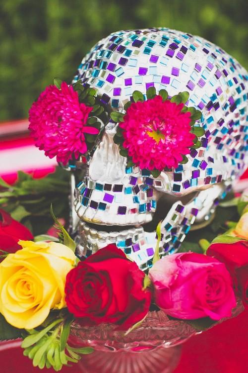 mosaic skull (via bespoke-bride)