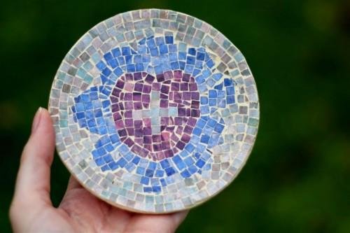 mosaic dish (via emusing-emma)