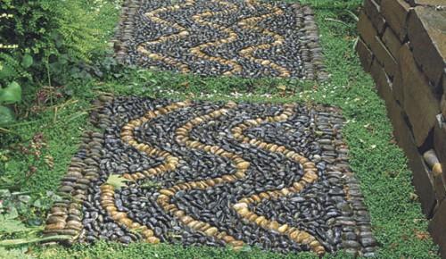 mosaic pebble pathways (via shelterness)