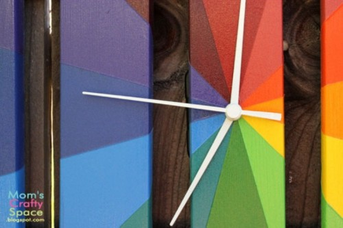 Colorful Diy Outdoor Clock Of A Plant Stand