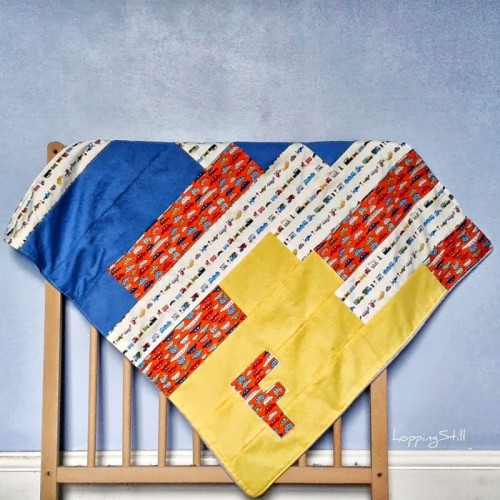 patchwork baby blanket (via hoppingstill)