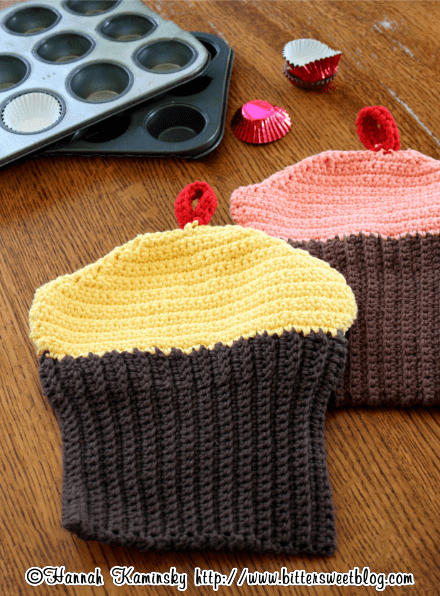 crocheted cupcake potholders (via bittersweetblog)