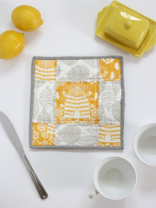 patchwork potholder (via seekatesew)
