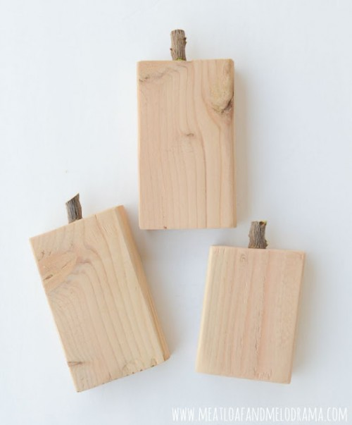 Colorful DIY Scrap Wood Appples For Fall Decor