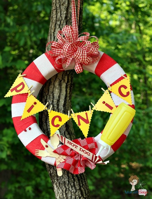 6 Colorful DIY Summer Party Wreaths