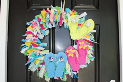 flipflops wreath (via southernscraps)