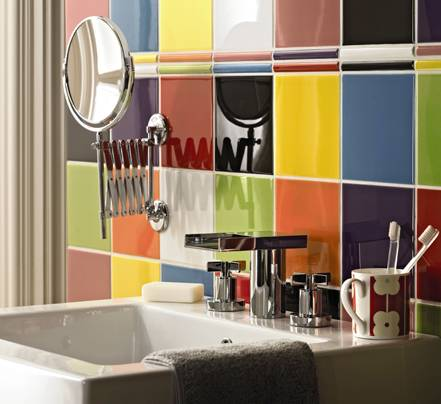 Decorating Bathroom Walls With Colorful Tiles