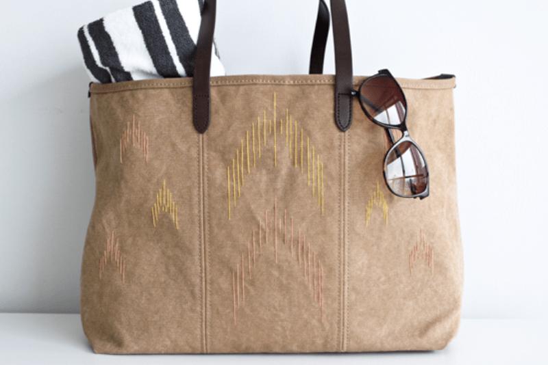 Comfortable DIY Ikat Beach Bag - Shelterness