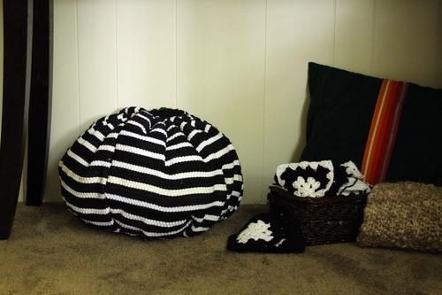 Rug bag pouf