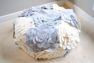 If you wonder how to make a pouf ottoman than this tutorial will definitely help you. Just make sure you have a hot glue gun! (via jandjhome)
