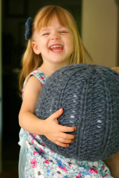 This small pouf is a perfect addition to any kids room. It would warm up the space during all these cold months... (via blogalacart)