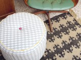 DIY structured ottoman (via makingniceinthemidwest)