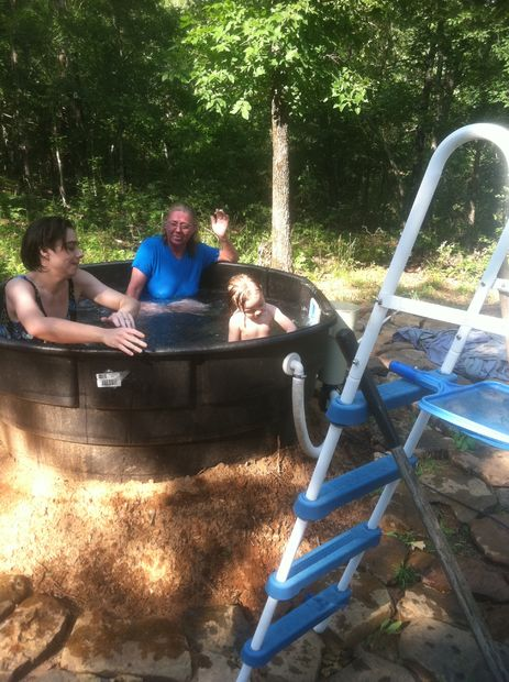 redneck outdoor bathtub (via instructables)