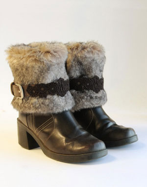 fur boots refashion (via urbanthreads)