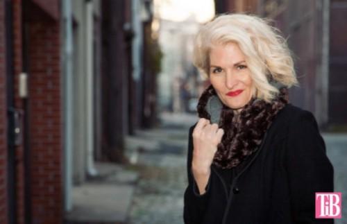 trendy faux fur scarf (via styleoholic)