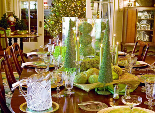 Faux moss is perfect thing to add some greenery to your decor. Why not to use it to make faux Christmas trees...