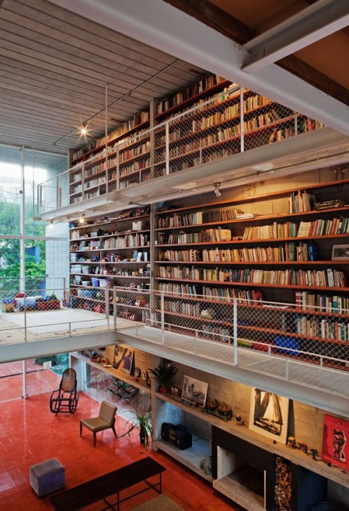 Contemporary House With A Large Library