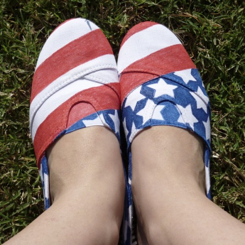 patriotic kicks (via dreamalittlebigger)