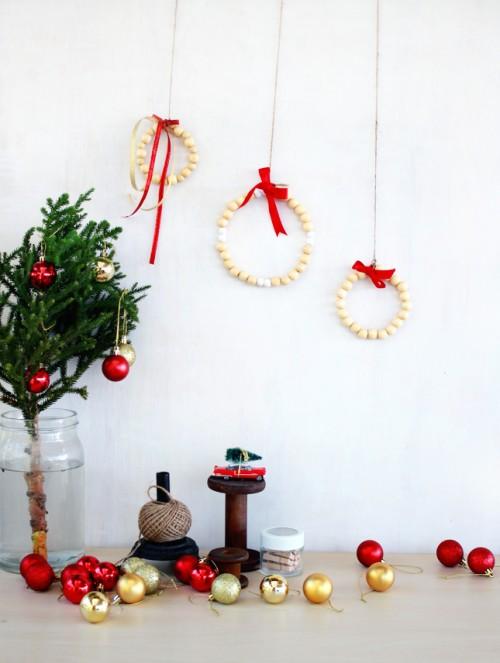 wooden bead wreath (via highwallsblog)