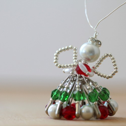 Christmas bead angel (via thecraftymummy)