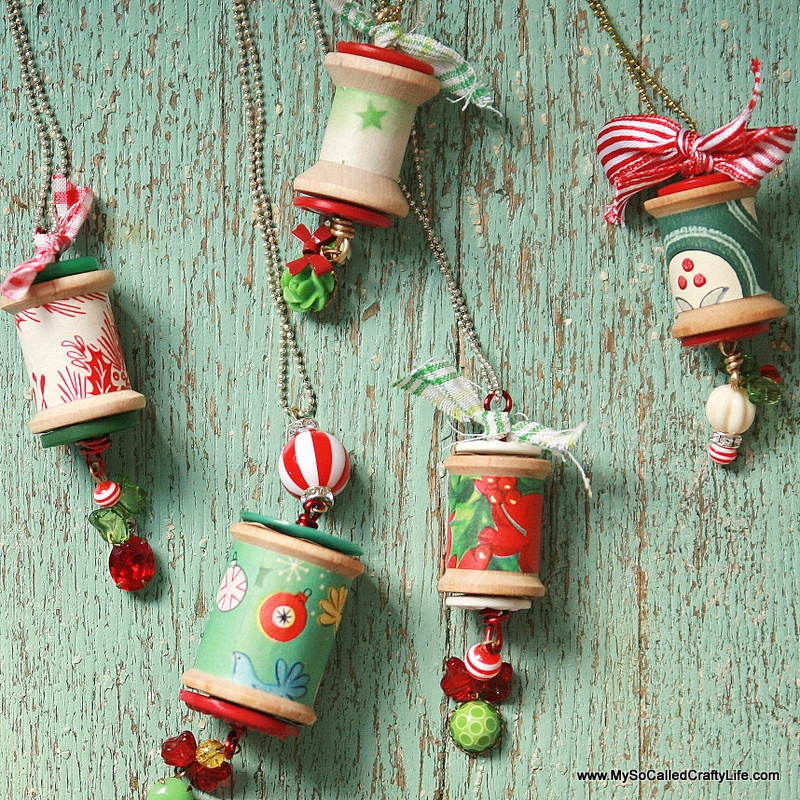 Christmas spool necklace