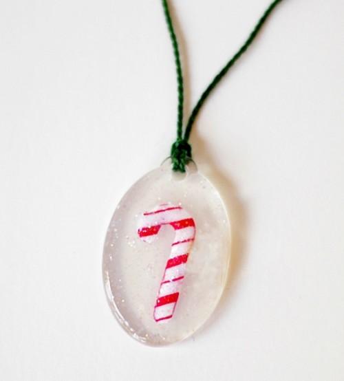 candy cande necklace (via modpodgerocksblog)