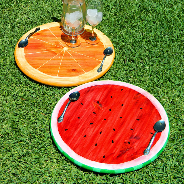 round fruit trays
