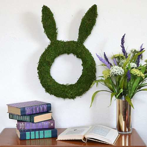 bunny shaped moss wreath (via dreamalittlebigger)