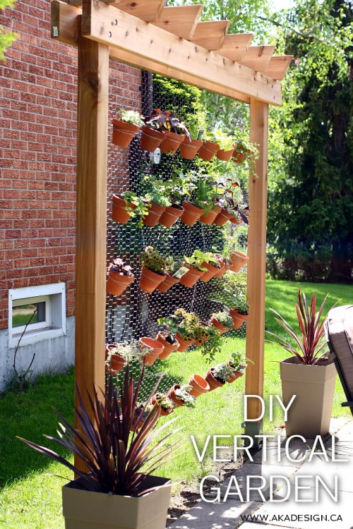 vertical garden (via akadesign)