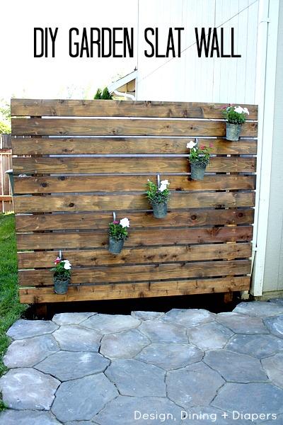 garden slat wall (via designdininganddiapers)