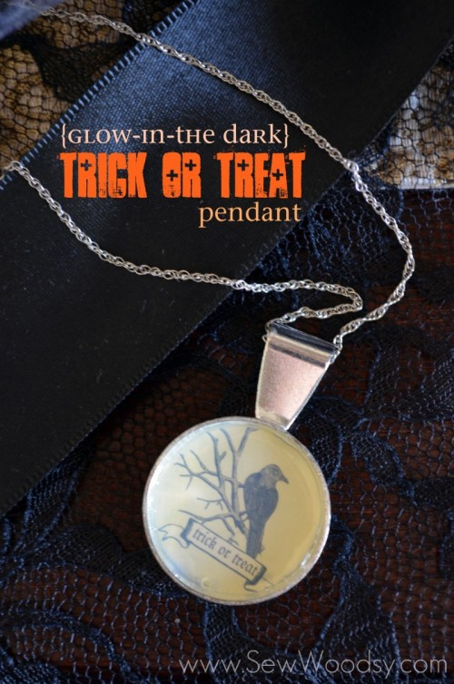 trick or treat pendant (via sewwoodsy)
