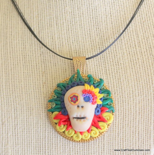 polymer clay skull pendant (via crafttestdummies)