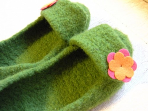 French press felted slippers (via christynelson)