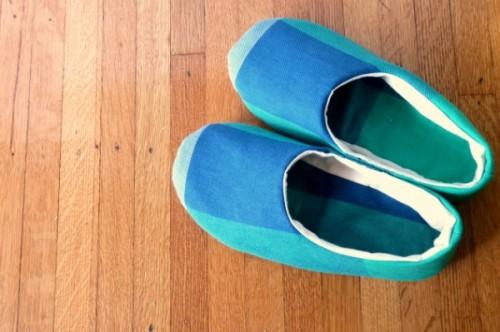 sewn house slippers (via megantada)