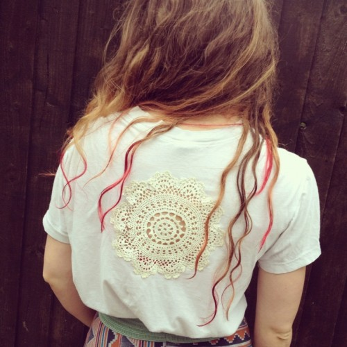 doily T-shirt (via byhandlondon)