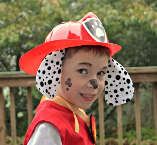 paw patrol costume (via oneartsymama)