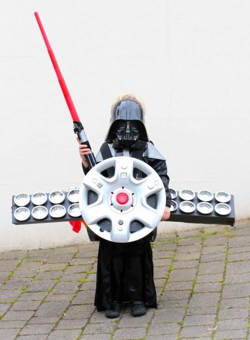 Darth Vader costume (via katescreativespace)