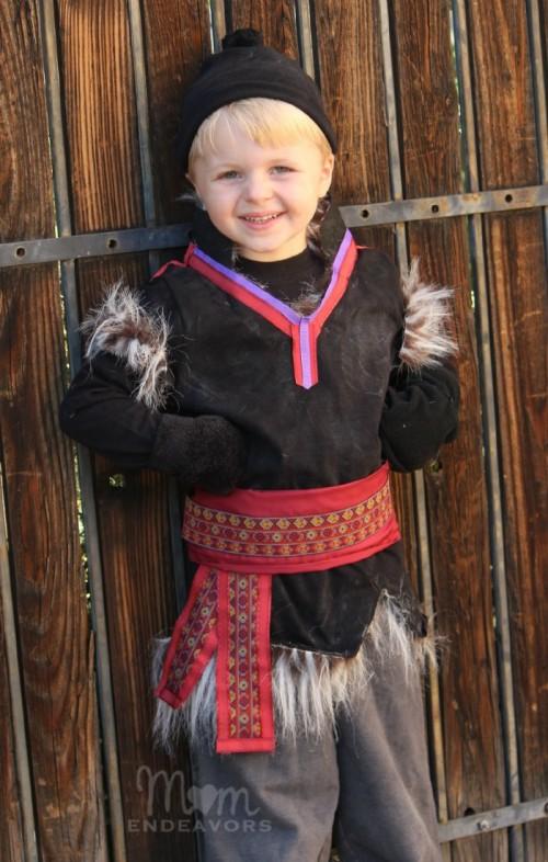 Frozen Kristoff costume (via momendeavors)