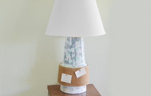 cork board lamp (via dreamalittlebigger)