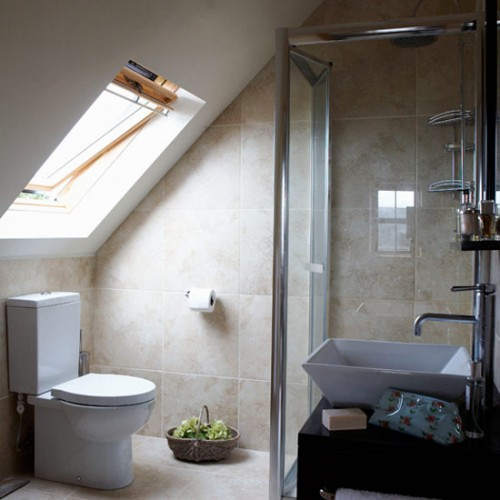 Optimal Usage Of Space And Items For Small Bathroom Ideas: 33 Cool Attic Bathroom Design Ideas