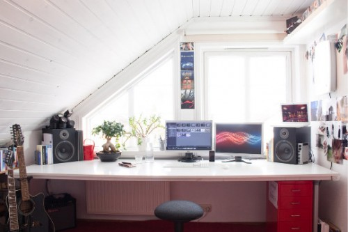 21 Cool Attic Home Office Design Ideas