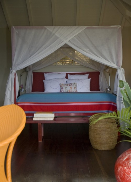 30 Cool Canopy Beds Shelterness