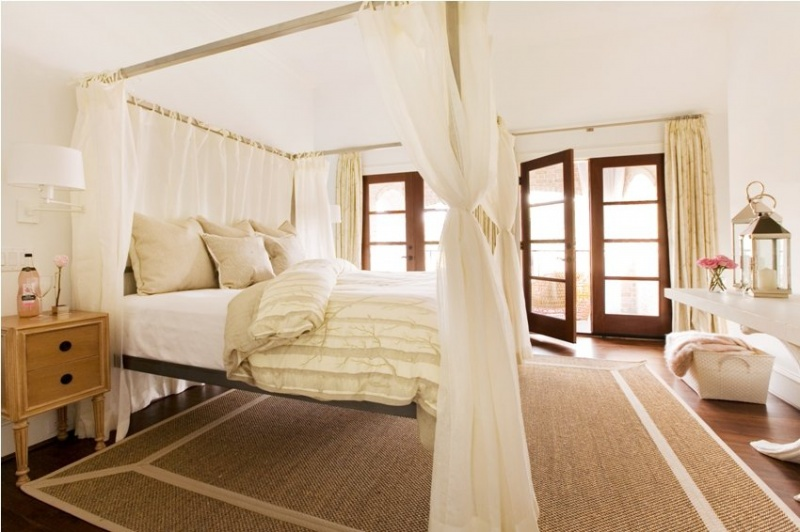 picture of cool canopy beds