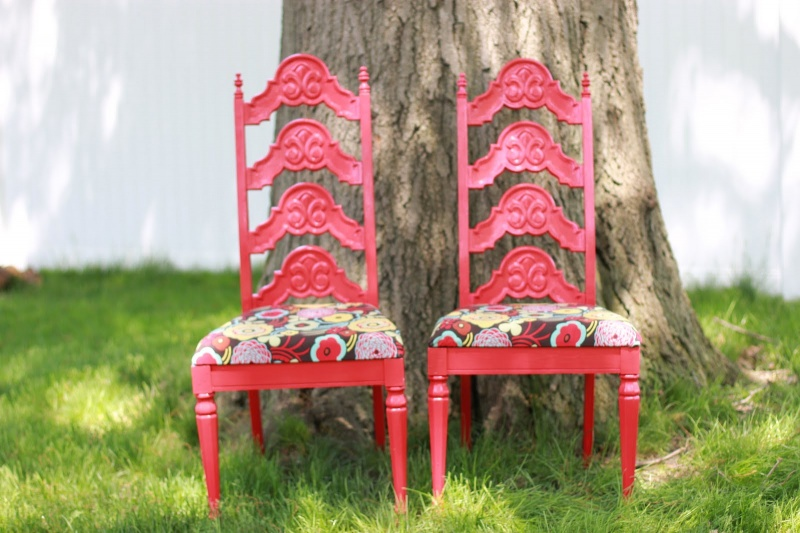 Before & After – Cool Makeover Of Garage Sale Chairs From