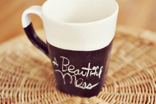 half-chalkboard mugs (via abeautifulmess)