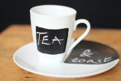 chalkboard mug and plate (via shelterness)