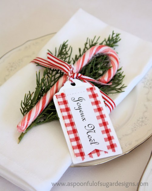 candy cane table cards (via aspoonfulofsugardesigns)