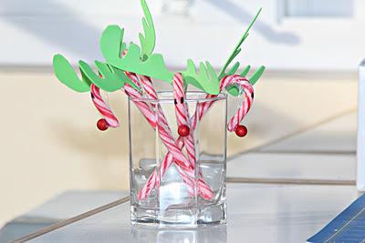 reindeer candy canes (via craftyandcookingmomma)
